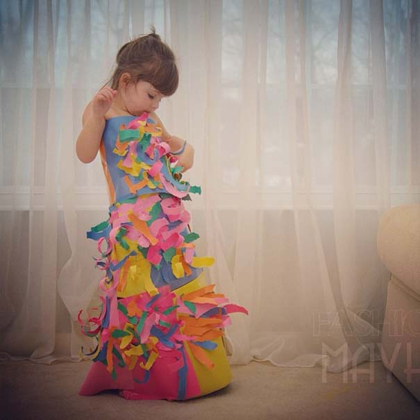 4χρονη δημιουργεί με τη μητέρα της εκπληκτικά φορέματα από χαρτί (3)
