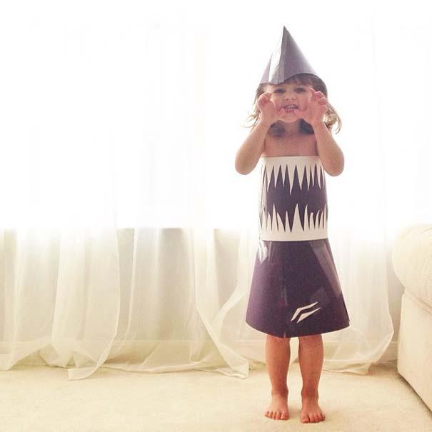 4χρονη δημιουργεί με τη μητέρα της εκπληκτικά φορέματα από χαρτί (7)