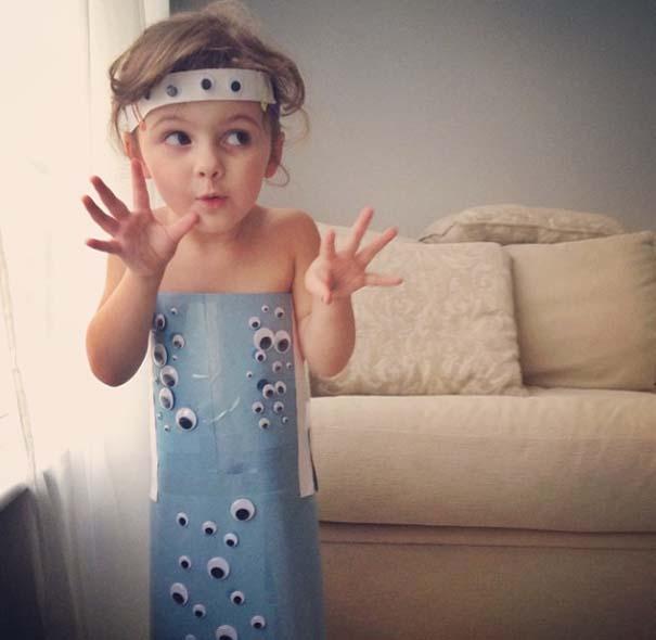 4χρονη δημιουργεί με τη μητέρα της εκπληκτικά φορέματα από χαρτί (24)