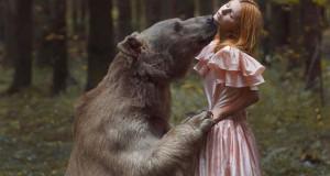 Φωτογράφος βγάζει πραγματικά απίστευτα πορτραίτα χρησιμοποιώντας αληθινά ζώα