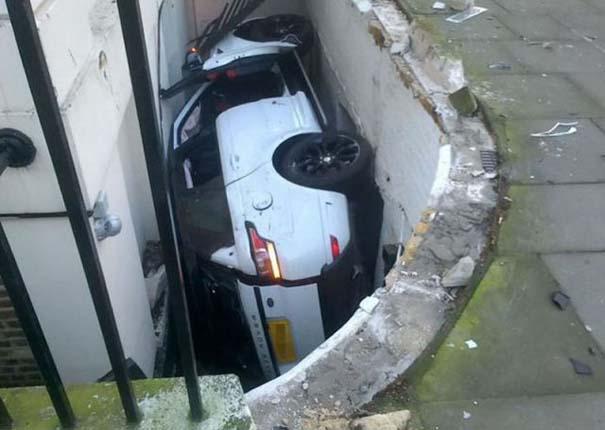 Αυτό θα πει στενό παρκάρισμα (2)