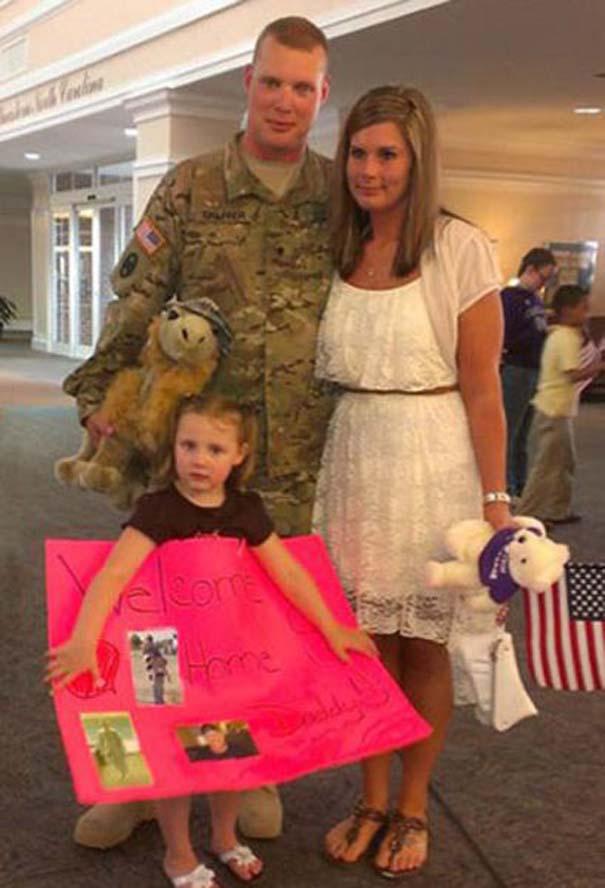 Έκπληξη γυναίκας στρατιωτικού στον άνδρα της (6)