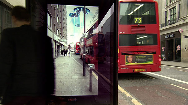 Εκπληκτική διαφήμιση σε στάση λεωφορείου