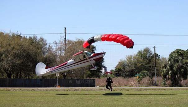 Καρέ καρέ η σύγκρουση ενός skydiver με αεροπλάνο στον αέρα (5)