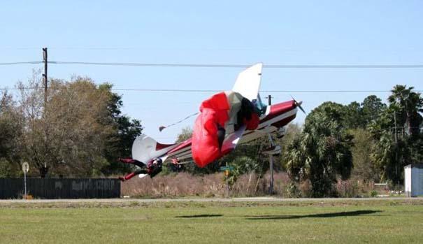 Καρέ καρέ η σύγκρουση ενός skydiver με αεροπλάνο στον αέρα (6)