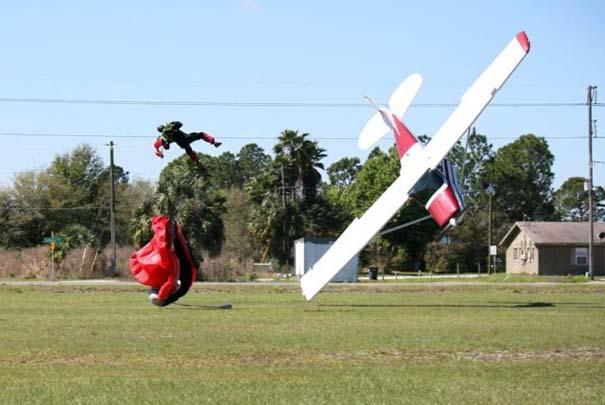 Καρέ καρέ η σύγκρουση ενός skydiver με αεροπλάνο στον αέρα (8)
