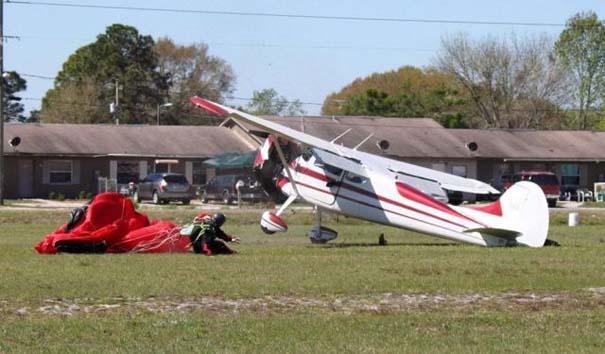Καρέ καρέ η σύγκρουση ενός skydiver με αεροπλάνο στον αέρα (15)