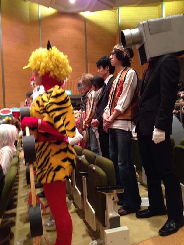 Κολλέγιο στην Ιαπωνία επιτρέπει στους φοιτητές να φορέσουν ό,τι θέλουν στην τελετή αποφοίτησης (3)