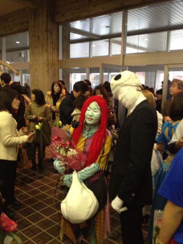 Κολλέγιο στην Ιαπωνία επιτρέπει στους φοιτητές να φορέσουν ό,τι θέλουν στην τελετή αποφοίτησης (5)