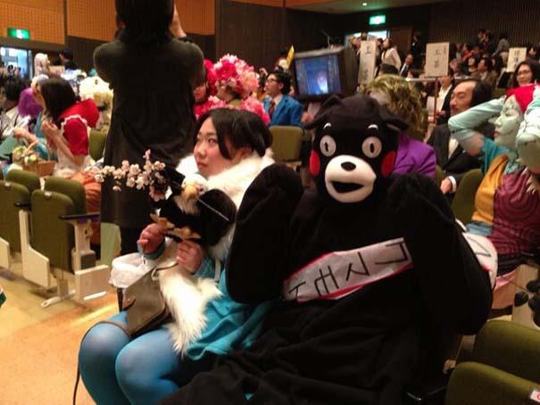 Κολλέγιο στην Ιαπωνία επιτρέπει στους φοιτητές να φορέσουν ό,τι θέλουν στην τελετή αποφοίτησης (8)