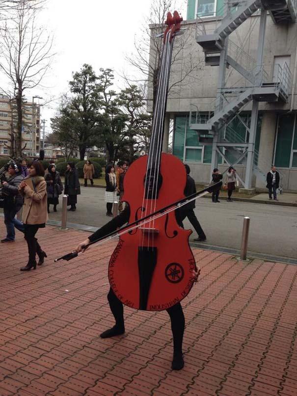 Κολλέγιο στην Ιαπωνία επιτρέπει στους φοιτητές να φορέσουν ό,τι θέλουν στην τελετή αποφοίτησης (11)