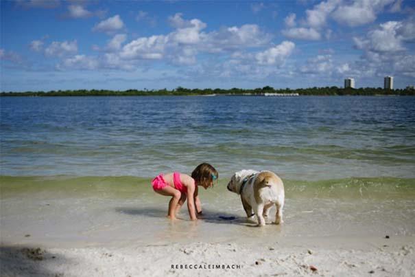 Κοριτσάκι με αγγλικό bulldog (3)