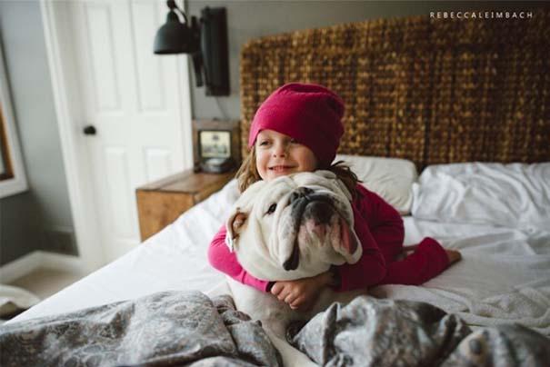Κοριτσάκι με αγγλικό bulldog (5)
