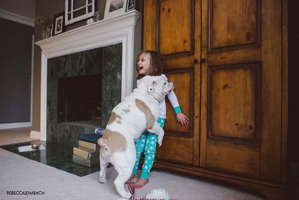 Κοριτσάκι με αγγλικό bulldog (11)