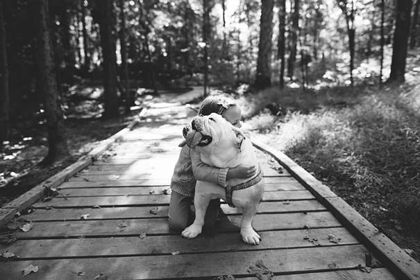 Κοριτσάκι με αγγλικό bulldog (15)