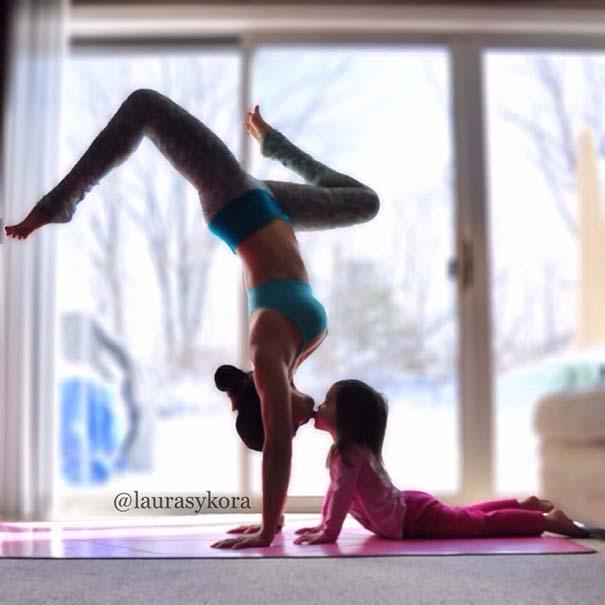 Μητέρα και 4χρονη κάνουν Yoga (2)