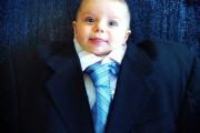 Μωρά με κουστούμι (2)