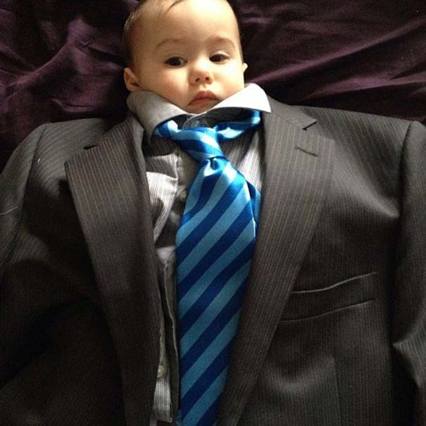 Μωρά με κουστούμι (8)