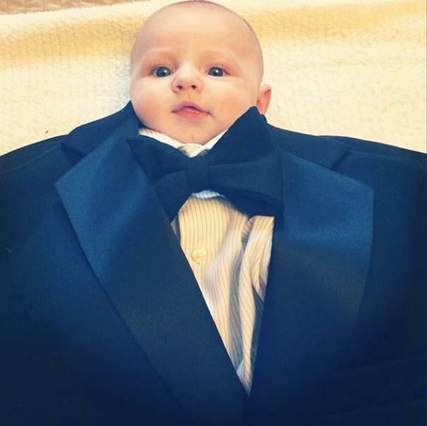 Μωρά με κουστούμι (13)