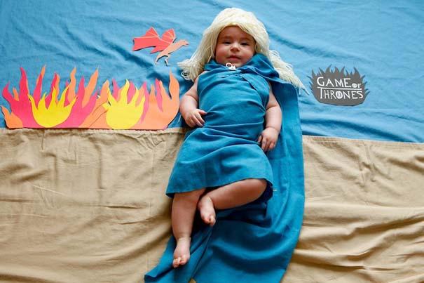 Μωρό μεταμφιέζεται σε διάσημους χαρακτήρες τηλεοπτικών σειρών (1)