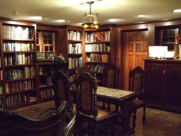 Μυστική βιβλιοθήκη μιας λάτρης των βιβλίων (6)
