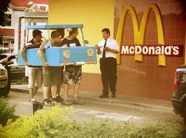 Θεότρελοι πελάτες σε Fast Food (1)