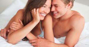 Ένα ζευγάρι που… πετάει στο κρεβάτι (Video)