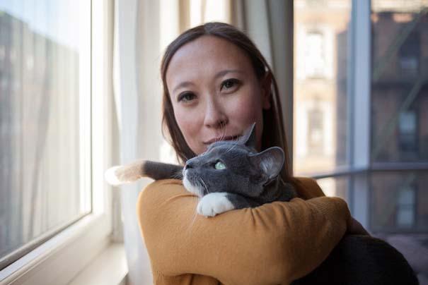 Ζώα από καταφύγια φωτογραφίζονται με τους ανθρώπους που τα υιοθέτησαν (21)