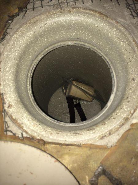 Ανακάλυψε κρυφό χρηματοκιβώτιο στην ντουλάπα (9)