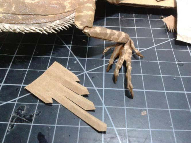 Δεν θα πιστεύετε ότι αυτό που έφτιαξε είναι απλά μια δημιουργία από χαρτόνι (12)