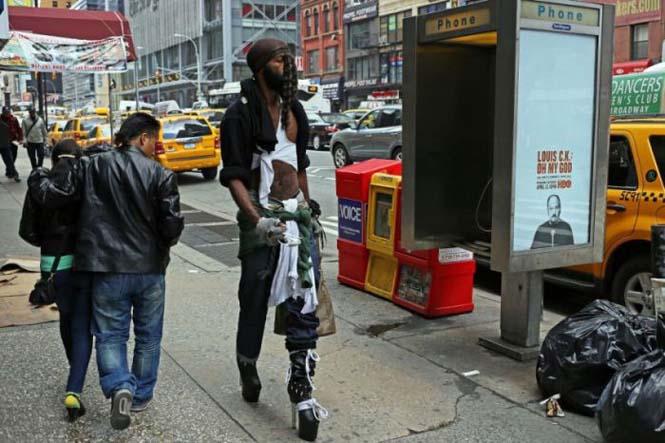 Εν τω μεταξύ, στη Νέα Υόρκη... (2)