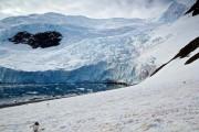Φωτογράφιζε έναν παγετώνα, όταν ξαφνικά... (1)