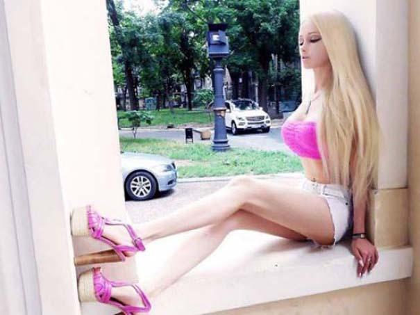 Η γυναίκα Barbie αποκαλύπτει το πραγματικό της πρόσωπο χωρίς μακιγιάζ (6)