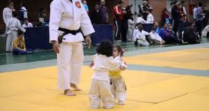Κοριτσάκια στον πρώτο τους αγώνα Judo (Video)