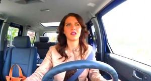 Άνδρες vs Γυναίκες: Οι ξεκαρδιστικές συνήθειες τους στην οδήγηση (Video)