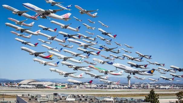 8 ώρες απογειώσεων αεροπλάνων σε μια εικόνα | Φωτογραφία της ημέρας