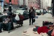 Σοκαριστικό κοινωνικό πείραμα δείχνει πως οι άστεγοι είναι αόρατοι