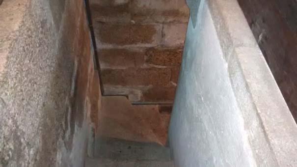 Η «μυστική» τουαλέτα μιας εκκλησίας (5)