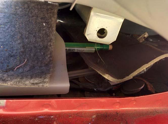 14 χρόνια χαμένων αντικειμένων κάτω από ένα κάθισμα αυτοκινήτου (2)