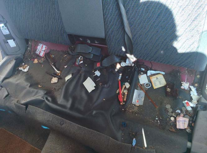 14 χρόνια χαμένων αντικειμένων κάτω από ένα κάθισμα αυτοκινήτου (4)