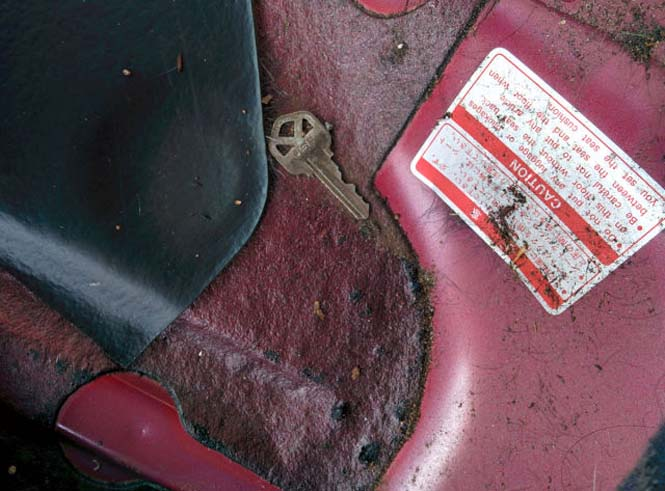 14 χρόνια χαμένων αντικειμένων κάτω από ένα κάθισμα αυτοκινήτου (5)