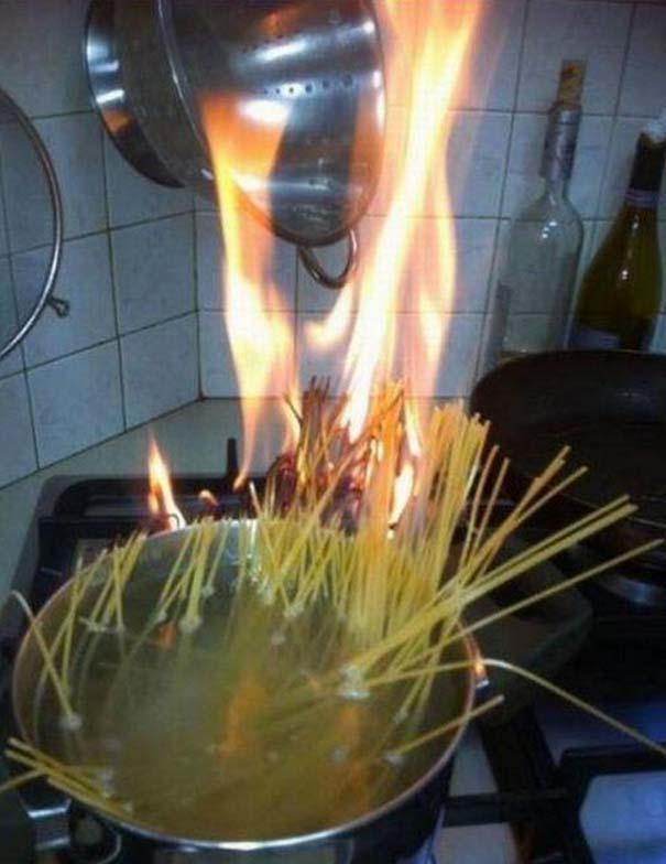Άνθρωποι που δεν έχουν ιδέα τι κάνουν στην κουζίνα (34)