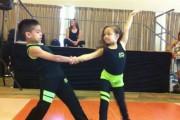 Απίστευτοι μικροί χορευτές Salsa