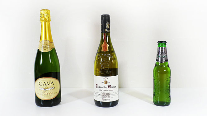 Ασυνήθιστοι τρόποι για να ανοίξετε ένα μπουκάλι