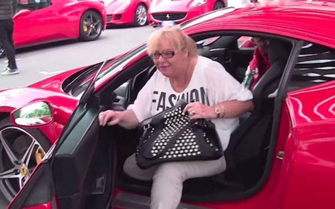 Έδωσε τη Ferrari του στη μαμά του κι εκείνη το γκάζωσε