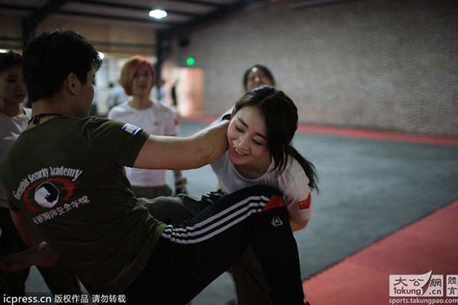 Γυναίκες σωματοφύλακες στην Κίνα (7)