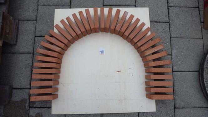 Η κατασκευή ενός ξυλόφουρνου (11)