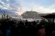 Κρουαζιερόπλοιο κορνάρει στους ρυθμούς του Seven Nation Army