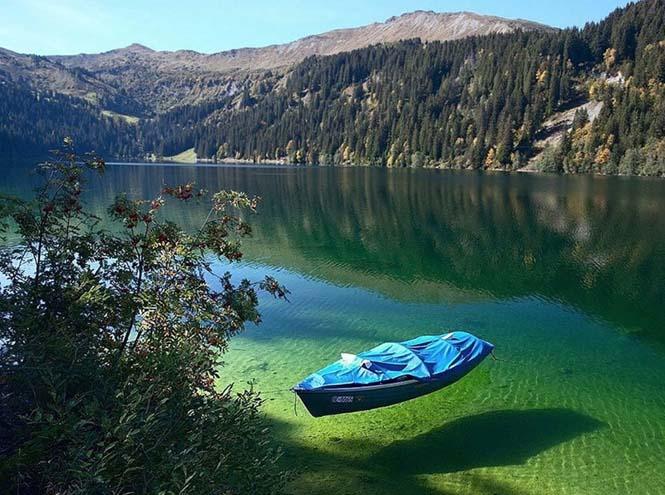 Κρυστάλλινη λίμνη στη Νέα Ζηλανδία (12)