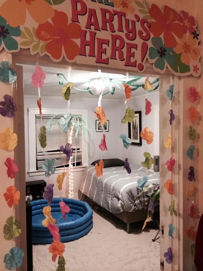 Μετέτρεψαν το δωμάτιο του φίλου τους σε παραλία (3)